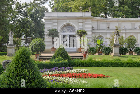 01 August 2019, Brandenburg, Wiepersdorf: The Orangery in the park of Wiepersdorf Castle. Since 01.08.2019 the castle has been under the sponsorship of the state of Brandenburg. The German Foundation for Monument Conservation has handed over the land and the buildings including the inventory of Wiepersdorf Castle to the newly founded Cultural Foundation. The state provides around 720,000 euros annually for the operation. According to the information provided, the reopening of the house and the arrival of the first scholarship holders in 2020 will be prepared. Photo: Patrick Pleul/dpa-Zentralbi - Stock Photo