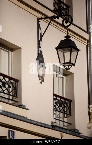 Paris 6th arrondissement, Rue Dauphine, street lamp - Stock Photo