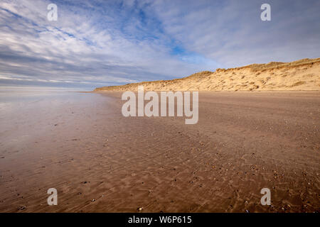 Crow point beach is a large beach that is often very quiet. It joins on to the braunton burrows sand dunes in north devon - Stock Photo