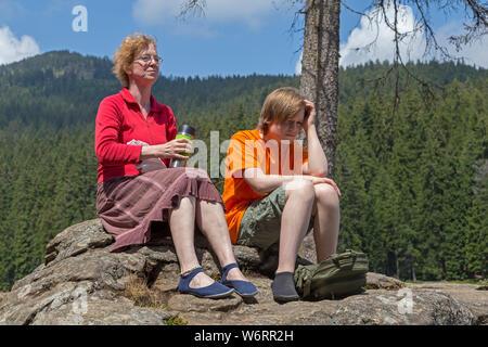 Hiking break, Big Lake Arber, Bayerisch Eisenstein, Bayerischer Wald, Bavaria, Germany - Stock Photo