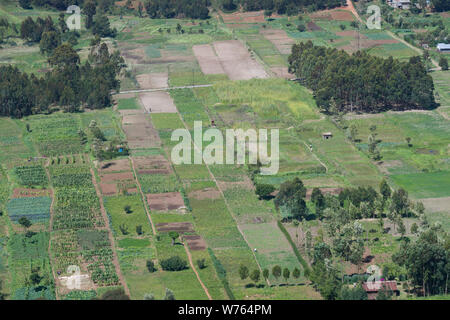 A patchwork of farmers field viewed from the Mahi Mahiu Longonot View Point, on A104 Nakuru - Nairobi road. Rift Valley, Kenya. - Stock Photo