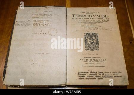 1569 book Chronologia. Hoc est temporum demonstratio exactissima, ab initio mundi, vsque ad annum Domini MDLXVIII by geographer Gerardus Mercator - Stock Photo