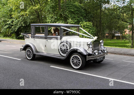 T19DWC Motoring classics, historics, vintage motors and collectibles 2019; Lytham Hall transport show, collection of cars & vehicles of yesteryear. - Stock Photo