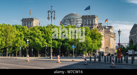 Reichstag building german government in Berlin - Stock Photo