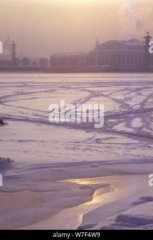 River Neva, towards Yassilievsky Island, Leningrad, 20th century. Artist: CM Dixon. - Stock Photo