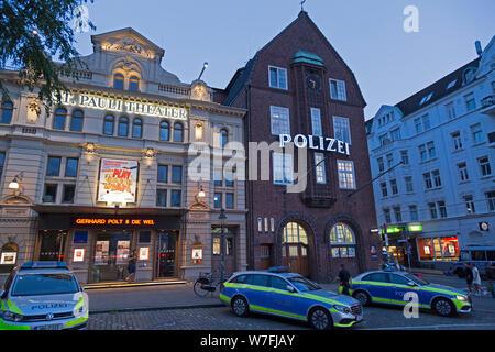 St. Pauli Theater and police station Davidwache (David watch), Reeperbahn, Sankt Pauli, Hamburg, Germany - Stock Photo