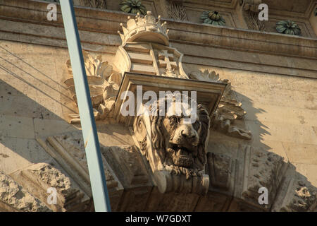 Budapest, Hungary, March 22 2018: Hungary, Budapest, Chain Bridge, head of the lion. - Stock Photo