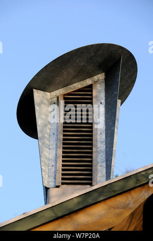 A Cowl which incorporates a passive ventilation system on the roof of the Centre for the Environment at the Horniman Museum, Forest Hill, London, UK - Stock Photo