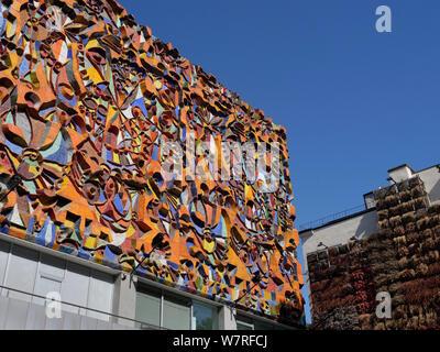 House facade at David Agmashenebeli Avenue, Marjanishvili, Tbilisi, Georgia, Europe - Stock Photo