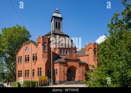 D-Oberhausen, Ruhr area, Lower Rhine, Rhineland, North Rhine-Westphalia, NRW, D-Oberhausen-Lirich, Evangelic Paulus Church, brick building, belonging to Evangelic Emmaus Congregation Oberhausen - Stock Photo