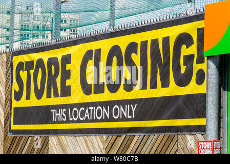 Closing down Homebase DIY store in Southend on Sea, Essex, UK. Do it yourself DIY store ceasing trading. Shutting. Sign - Stock Photo