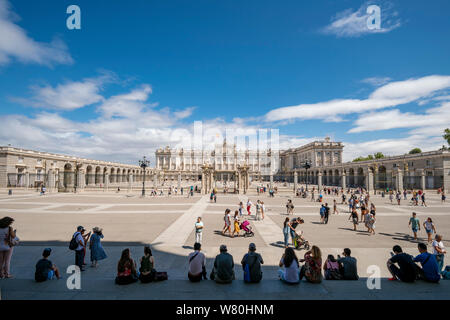 Horizontal view of the Royal Palace in Madrid.