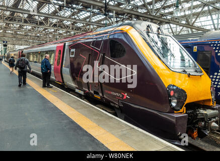 A Class 221 Super Voyager diesel-electric multiple unit passenger train, crosscountry by arriva, in Glasgow Central Station, Scotland. - Stock Photo