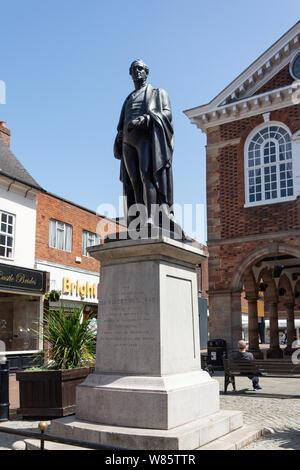 Sir Robert Peel statue, , Market Square. Tamworth, Staffordshire, England, United Kingdom - Stock Photo