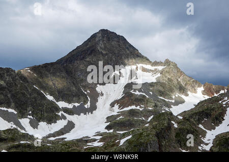 Glodisspitze (Glodis Spitz) mountain peak. Schobergruppe. Hohe Tauern Nationalpark. Austrian Alps. - Stock Photo