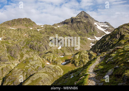 Debanttal. Glodisspitze peak. Hohe Tauern Nationalpark. Austrian Alps. - Stock Photo