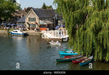 Lechlade, Gloucestershire, England, UK, July 2019. The River Thames at Lechlade on Thames. The highest navigable point of this famous river. The River - Stock Photo