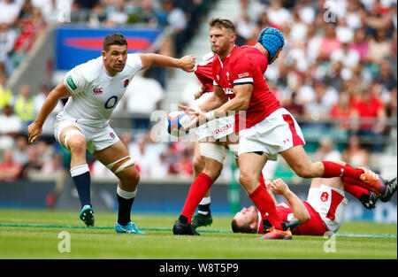 London, UK. 11th Aug, 2019. LONDON, ENGLAND. AUGUST 11: Dan Biggar of Wales during Quilter International between England and Wales at the Twickenham stadium on August 11, 2019 in London, England. Credit: Action Foto Sport/Alamy Live News - Stock Photo