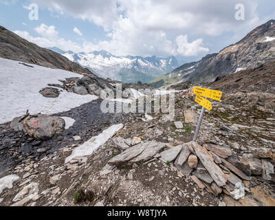 Rugged mountain scenery of the Zillertal Alps near Schwartz See and the Berliner Hut mountain refuge in the Austrian Tirol - Stock Photo