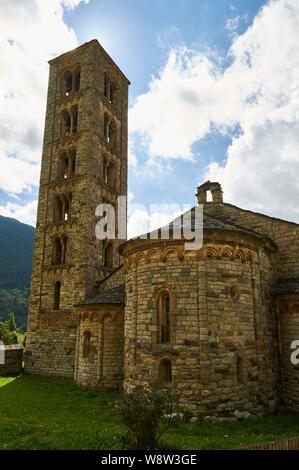 Sant Climent de Taüll tower and church, a Catalan Romanesque Churches of the Vall de Boí (Bohí valley, Alta Ribagorza, Lleida,Pyrenees,Cataluña,Spain) - Stock Photo