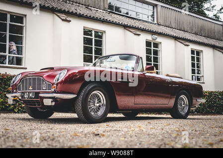 Classic Cars at Goodwood Motor Racing Circuit Breakfast Club, Near Chichester, West Sussex, England. - Stock Photo