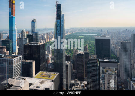 Manhattan cityscape, aerial view north from Midtown to Central Park (sited between the Upper East Side and Upper West Side of Manhattan) New York, USA - Stock Photo