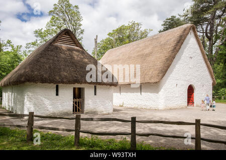 Llys Llewelyn, St Fagans National Museum of History, Cardiff, Wales. Llys Llywelyn is a reconstruction of a medieval prince's court. - Stock Photo
