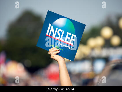Des Moines, Iowa / USA - August 10, 2019: A person holds up a sign supporting Washington Governor and Democratic candidate for President Jay Inslee at - Stock Photo
