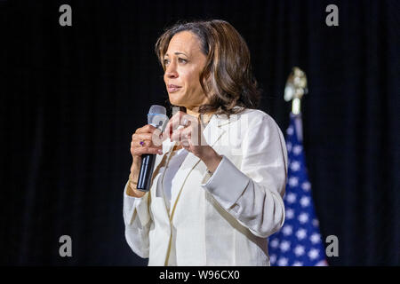 Burlington, Iowa, USA. 12th August, 2019. California Senator Kamala Harris held a presidential campaign rally at The Loft in downtown Burlington, Iowa, USA. Credit: Keith Turrill/Alamy Live News - Stock Photo