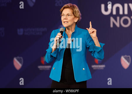 Senator Elizabeth Warren, a Democrat from Massachusetts and 2020 presidential candidate, speaks to the crowd during the League of United Latin America - Stock Photo