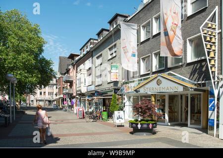 Deutschland, Ruhrgebiet, Kreis_Recklinghausen, Datteln, Fussgängerzone und Einkaufsstrasse 'Hohe Srasse' - Stock Photo