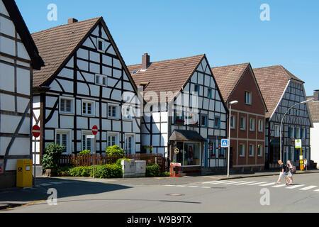 Deutschland, Ruhrgebiet, Kreis_Recklinghausen, Datteln, Fachwerkhäuser an der Horneburger Strasse im Stadtteil Datteln-Horneburg - Stock Photo