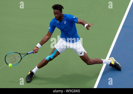 Cincinnati, OH, USA. 13th Aug, 2019. Western and Southern Open Tennis, Cincinnati, OH; August 10-19, 2019. Gael Montfils plays a ball against Frances Tiafoe during the Western and Southern Open Tennis tournament played in Cincinnati, OH. Tiafoe won 7-6 6-3. August 13, 2019. Photo by Wally Nell/ZUMAPress Credit: Wally Nell/ZUMA Wire/Alamy Live News - Stock Photo