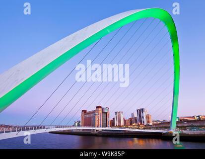 Gateshead Millennium Bridge over River Tyne, Newcastle-upon-Tyne, Tyne and Wear, Tyneside, England, United Kingdom, Europe - Stock Photo