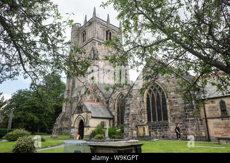 St Oswald's Church,Saint Oswald,cathedral,building,Oswestry,a,market,town,in,Shropshire,border,of, Wales,England,GB,UK, - Stock Photo