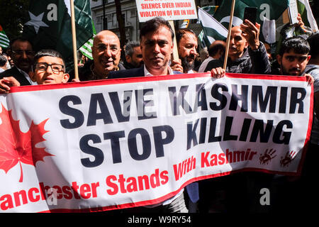 Aldwych, London, UK. 15th August 2019. Kashmir Protest outside the Indian High Commission in London by Pakistan supporters. Credit: matthew Chattle/Alamy Live News - Stock Photo