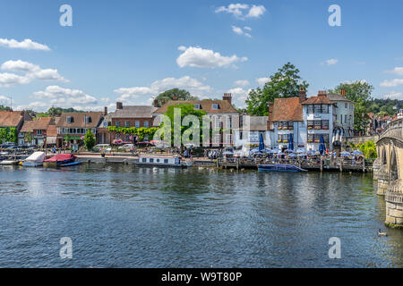 Henley on Thames in Oxfordshire - Stock Photo