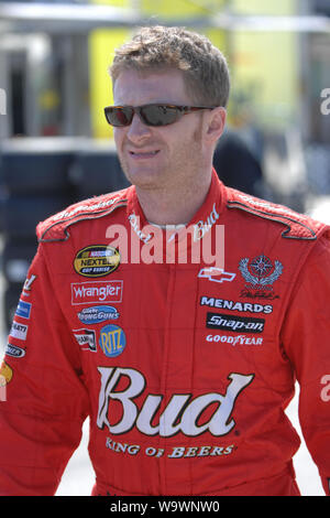 Homestead, United States Of America. 18th Oct, 2006. HOMESTEAD MIAMI, FL - OCTOBER 16, 2006: NASCAR Nextel cup driver Dale Earnhardt Jr. attends open practice at Homestead Miami Speedway, Homestead, Florida People: Dale Earnhardt Jr. Credit: Storms Media Group/Alamy Live News - Stock Photo