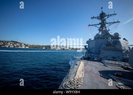 BLACK SEA (Aug. 8, 2019) — The Arleigh Burke-class guided-missile destroyer USS Porter (DDG 78) transits the Bosphorus Strait Aug. 8, 2019. Porter, forward-deployed to Rota, Spain, is on its seventh patrol in the U.S. 6th Fleet area of operations in support of U.S. national security interests in Europe and Africa. (U.S. Navy photo by Mass Communication Specialist 3rd Class T. Logan Keown/Released) - Stock Photo