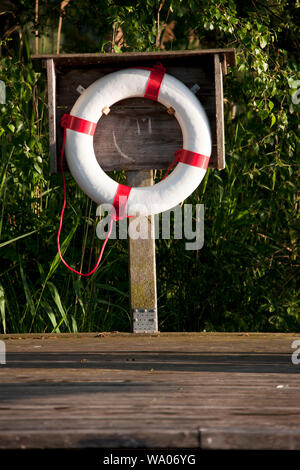 Gerzensee, Rettungsring, See, Ufer, 30056275 *** Local Caption *** - Stock Photo