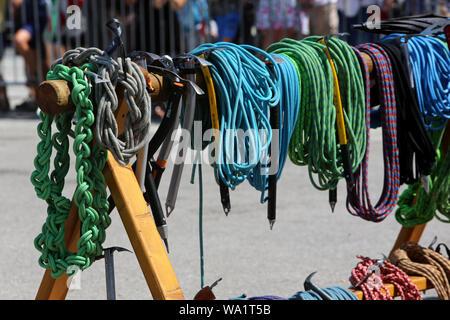 Dépôt des cordes et des piolets. Fête des Guides du Val Montjoie. Saint-Gervais-les-Bains. - Stock Photo