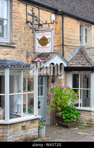 Smiths of Bourton Tea rooms. Bourton on the water. Cotswolds. Gloucestershire, England - Stock Photo