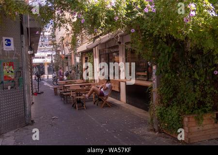 neighborhood of Florentin in southern Tel Aviv. - Stock Photo