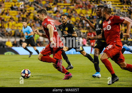 Saturday, August 17, 2019: Toronto FC forward Patrick Mullins with Columbus Crew SC midfielder Artur (8) chasing in the second half of the match between Toronto FC and Columbus Crew SC at MAPFRE Stadium, in Columbus OH. Mandatory Photo Credit: Dorn Byg/Cal Sport Media. Toronto FC 2 - Columbus Crew SC 2 at the end of the first half. - Stock Photo