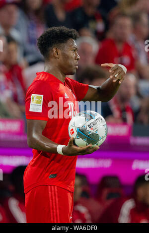 Dissatisfaction with David ALABA (# 27, M). Soccer, FC Bayern Munich (M) - Hertha BSC Berlin (B) 2: 2, Bundesliga, 1.matchday, season 2019/2020, on 16/08/2019 in Muenchen / ALLIANZARENA / Germany. Editorial Note: DFL regulations prohibit any use of photographs as image sequences and / or quasi-video. ¬   usage worldwide - Stock Photo