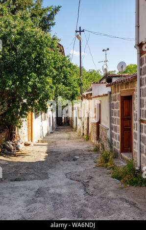 Traditional Ankara houses around the alley in Hamamonu district of Altindag, Ankara, Turkey. - Stock Photo