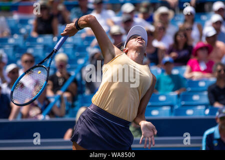 August 18, 2019, Mason, Ohio, USA: Madison Keys (USA) serves during Women's Final of the Western and Southern Open at the Lindner Family Tennis Center, Mason, Oh. (Credit Image: © Scott Stuart/ZUMA Wire) - Stock Photo