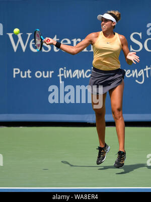 Mason, Ohio, USA. 18th Aug, 2019. August 18, 2019: Madison Keys (USA) defeated Svetlana Kuznetsova (RUS) 7-5, 7-6, at the Western & Southern Open being played at Lindner Family Tennis Center in Mason, Ohio. © Leslie Billman/Tennisclix/CSM Credit: Cal Sport Media/Alamy Live News - Stock Photo
