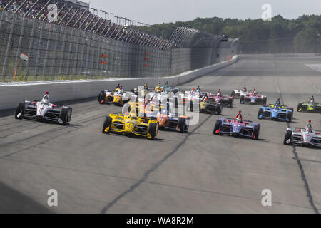 Long Pond, Pennsylvania, USA. 18th Aug, 2019. The NTT IndyCar Series teams take the green flag to start the race for the ABC Supply 500 at Pocono Raceway in Long Pond Pennsylvania. (Credit Image: © Walter G Arce Sr Grindstone Medi/ASP) - Stock Photo