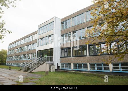 Dresden, Germany. 19th Aug, 2019. The Dresden University School. The public and free primary and secondary school is a joint project of the state capital Dresden and the TU Dresden. Credit: Sebastian Kahnert/dpa-Zentralbild/dpa/Alamy Live News - Stock Photo